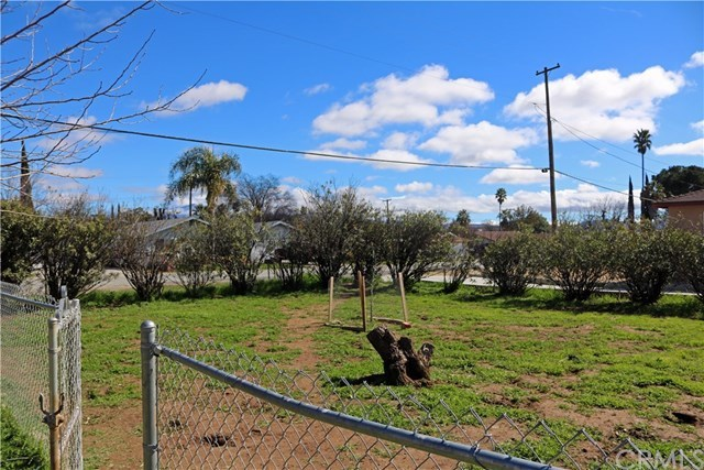 Closed | 1399 E 8th Street Beaumont, CA 92223 18