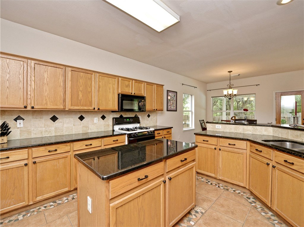 Sold Property | 7025 Auckland Drive Austin, TX 78749 3