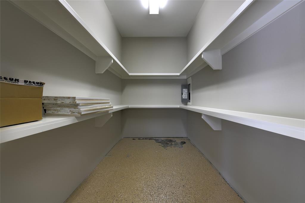 Active   4302 Hidden Links Court Kingwood, TX 77339 33