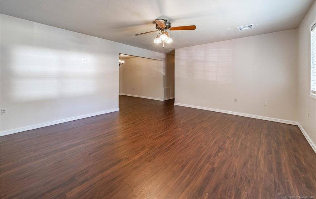 Off Market | 338 N Adair Street Vinita, Oklahoma 74301 6