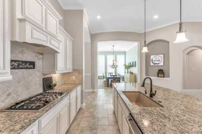 homes for sale in Katy, Falls of Green Meadows, zoned to Katy High School | 6610 Hollow Bay Court Katy, Texas 77493 15