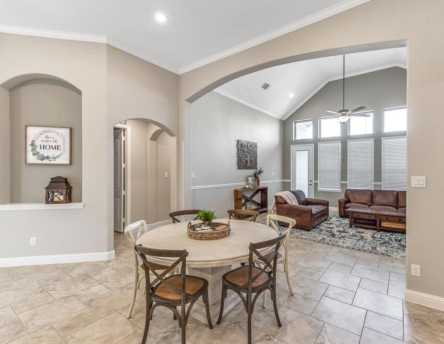 homes for sale in Katy, Falls of Green Meadows, zoned to Katy High School   6610 Hollow Bay Court Katy, Texas 77493 16