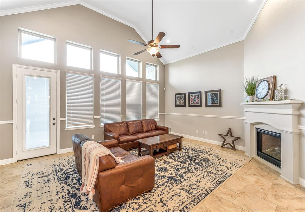 homes for sale in Katy, Falls of Green Meadows, zoned to Katy High School   6610 Hollow Bay Court Katy, Texas 77493 19