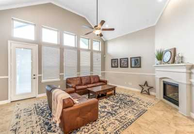 homes for sale in Katy, Falls of Green Meadows, zoned to Katy High School | 6610 Hollow Bay Court Katy, Texas 77493 19