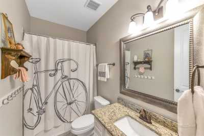 homes for sale in Katy, Falls of Green Meadows, zoned to Katy High School | 6610 Hollow Bay Court Katy, Texas 77493 22