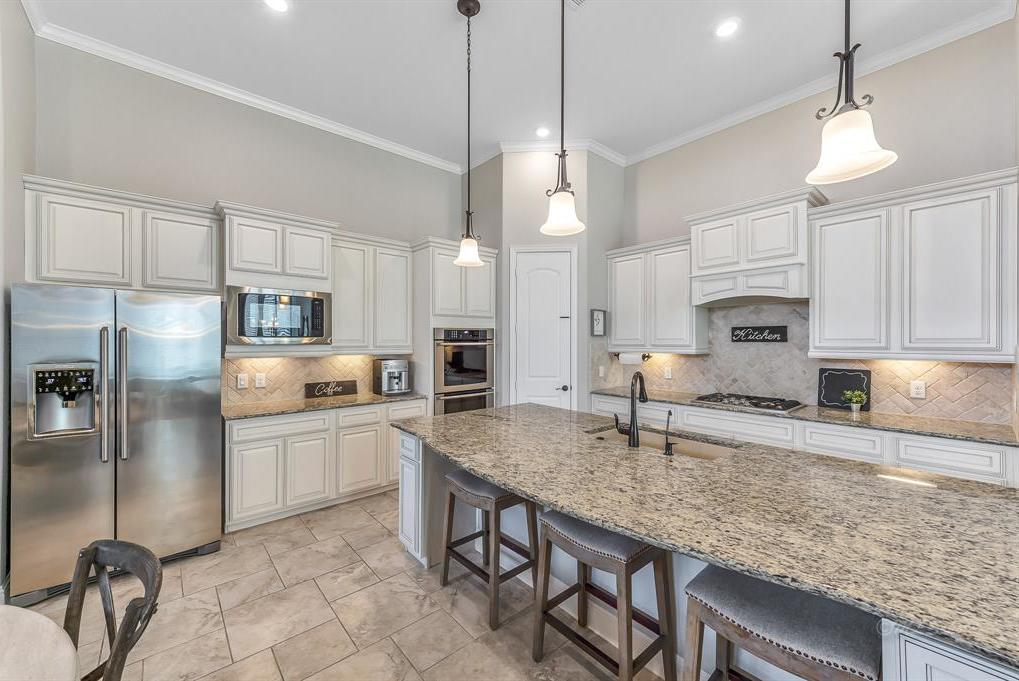 homes for sale in Katy, Falls of Green Meadows, zoned to Katy High School   6610 Hollow Bay Court Katy, Texas 77493 39