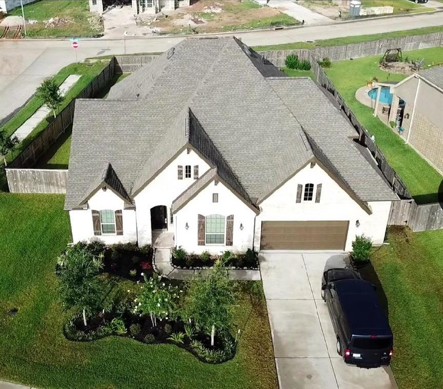 homes for sale in Katy, Falls of Green Meadows, zoned to Katy High School   6610 Hollow Bay Court Katy, Texas 77493 43