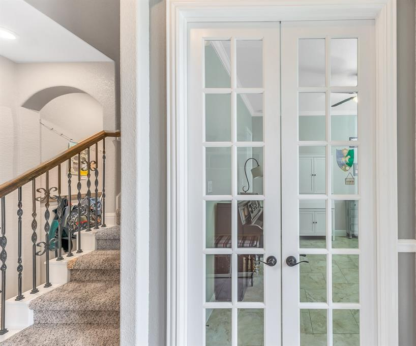 homes for sale in Katy, Falls of Green Meadows, zoned to Katy High School   6610 Hollow Bay Court Katy, Texas 77493 7