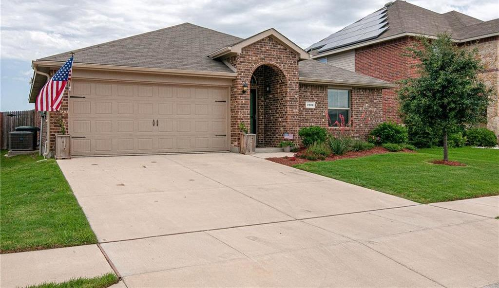 Sold Property   2508 Mill Springs Pass Fort Worth, Texas 76123 3
