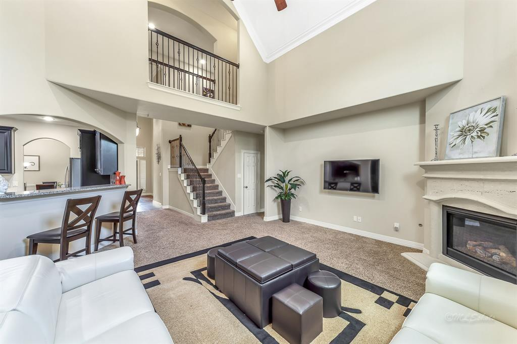 Lease home in Katy Texas, Zoned to Tompkins High School, Zoned to KatyISD | 3430 Norwich Gardens Lane Fulshear, Texas 77441 12