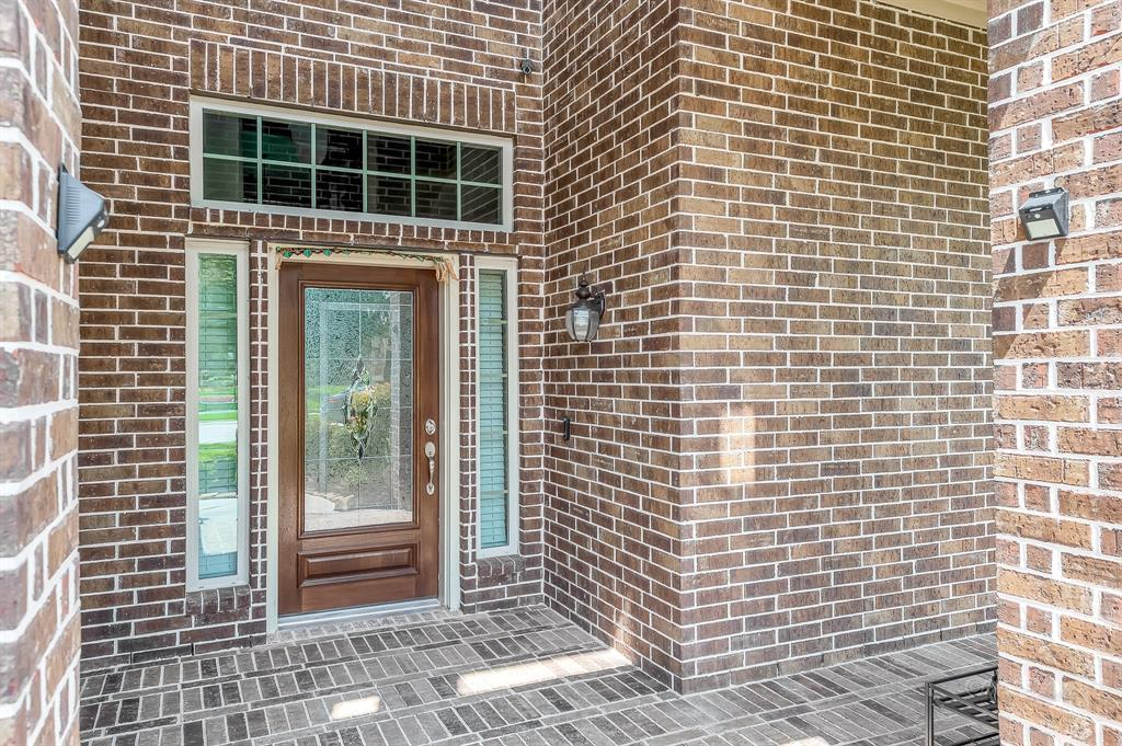 Lease home in Katy Texas, Zoned to Tompkins High School, Zoned to KatyISD | 3430 Norwich Gardens Lane Fulshear, Texas 77441 4