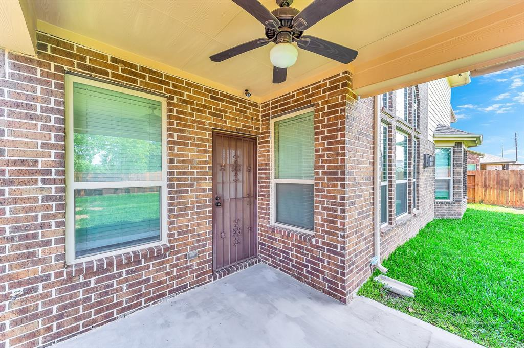 Lease home in Katy Texas, Zoned to Tompkins High School, Zoned to KatyISD | 3430 Norwich Gardens Lane Fulshear, Texas 77441 35