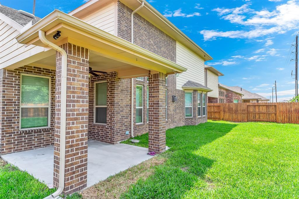Lease home in Katy Texas, Zoned to Tompkins High School, Zoned to KatyISD | 3430 Norwich Gardens Lane Fulshear, Texas 77441 36