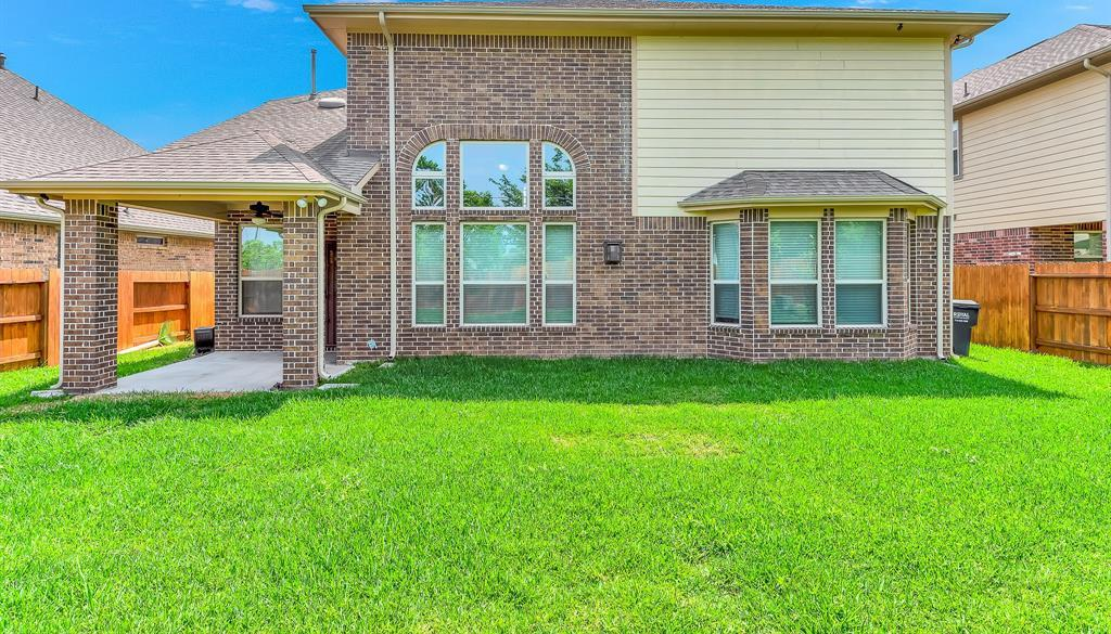 Lease home in Katy Texas, Zoned to Tompkins High School, Zoned to KatyISD | 3430 Norwich Gardens Lane Fulshear, Texas 77441 37