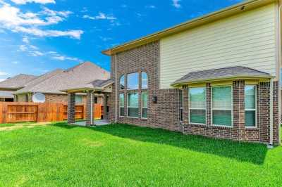 Lease home in Katy Texas, Zoned to Tompkins High School, Zoned to KatyISD | 3430 Norwich Gardens Lane Fulshear, Texas 77441 38