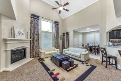 Lease home in Katy Texas, Zoned to Tompkins High School, Zoned to KatyISD | 3430 Norwich Gardens Lane Fulshear, Texas 77441 11