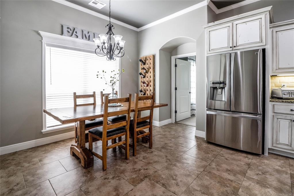 Active | 19481 Pecan Ridge Circle Claremore, OK 74017 17