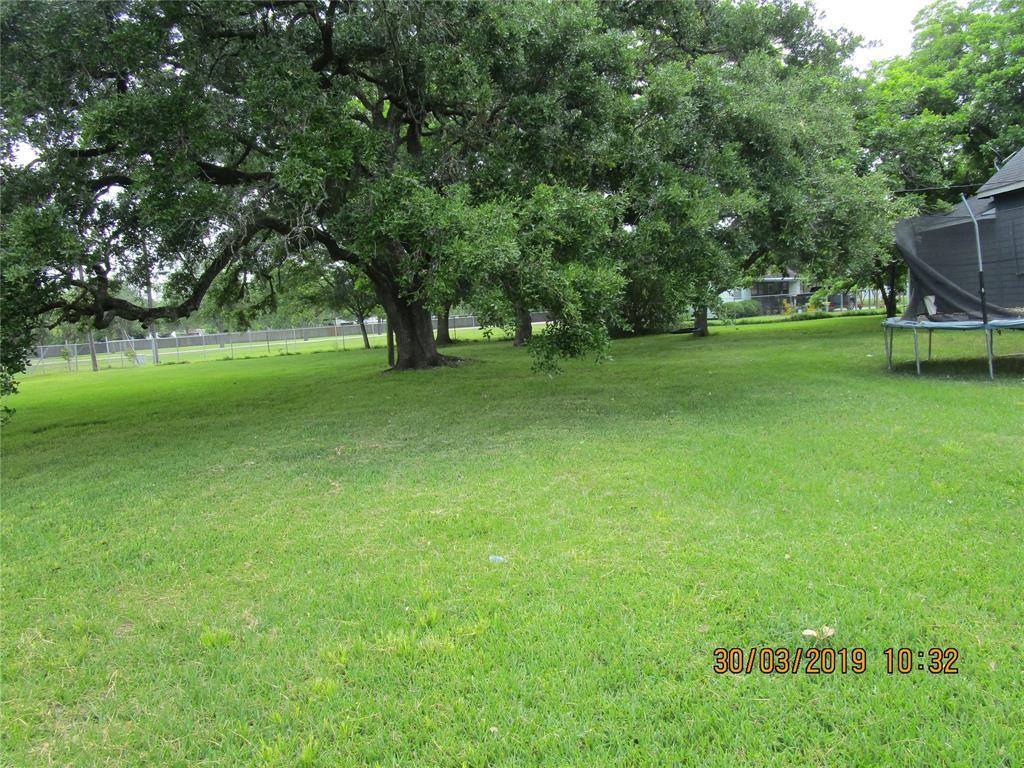 Active | 2309 Nichols Street Bay City, TX 77414 4