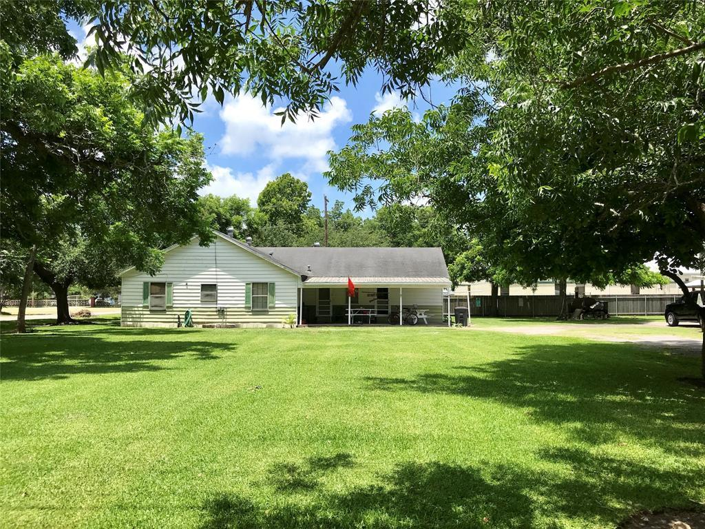 Pending | 1513 11th Street Bay City, TX 77414 3