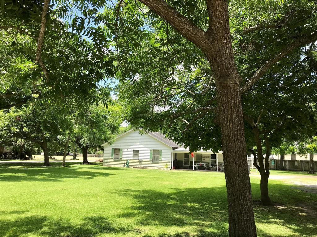 Pending | 1513 11th Street Bay City, TX 77414 5