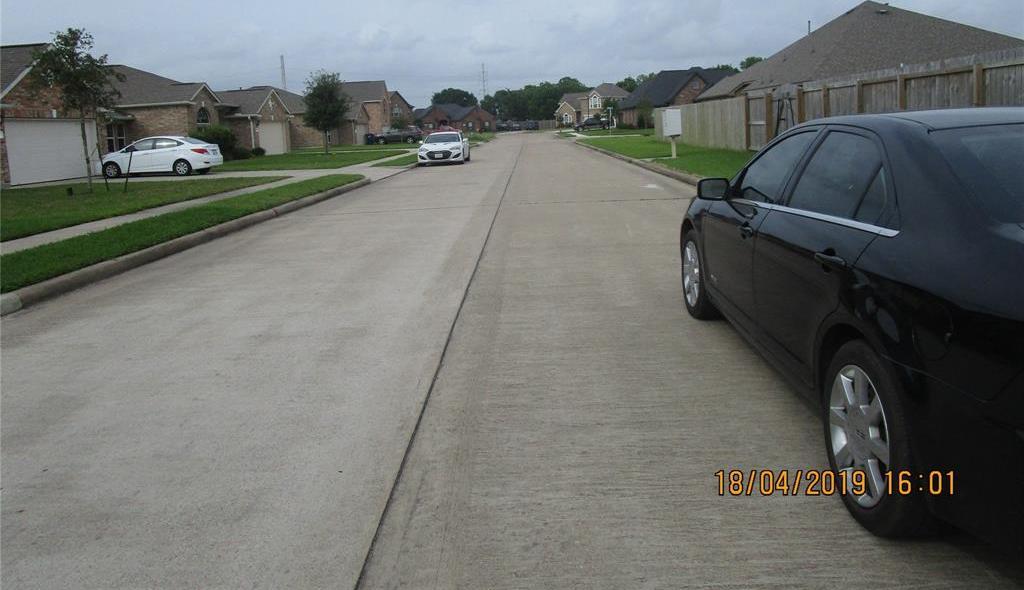 Active | 3301 E Aberdeen CT Court Bay City, TX 77414 7
