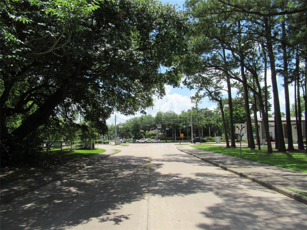 Active | 101 E Walker  Street League City, TX 77573 1