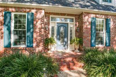 Sold Property | 9641 Viewside Drive Dallas, Texas 75231 2
