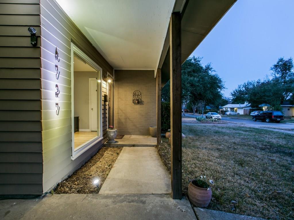 Sold Property | 6727 Hialeah Drive Dallas, Texas 75214 3