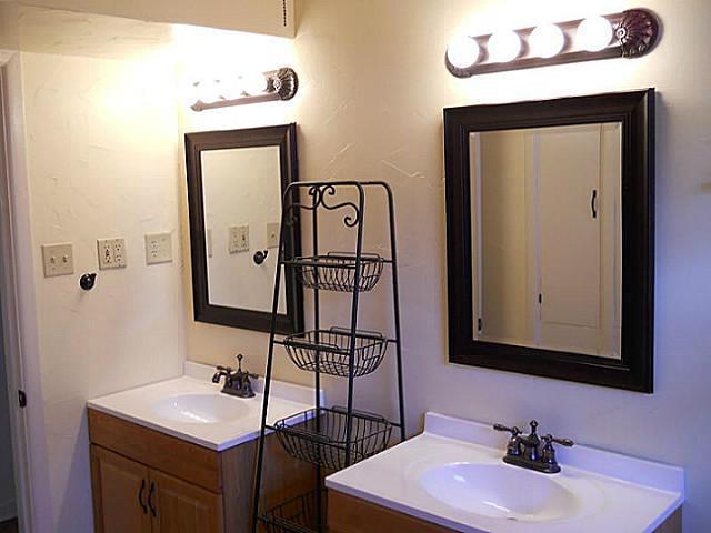 Sold Property | 2417 Tisinger Avenue Dallas, Texas 75228 3