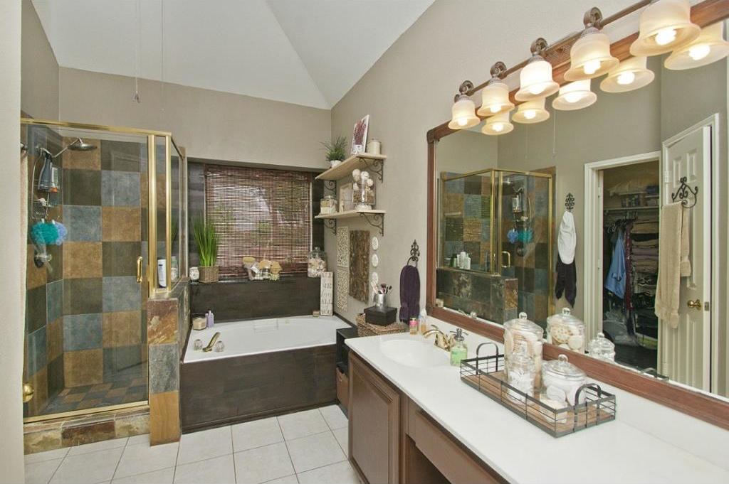 Sold Property   6020 Willow Wood Lane Dallas, TX 75252 12