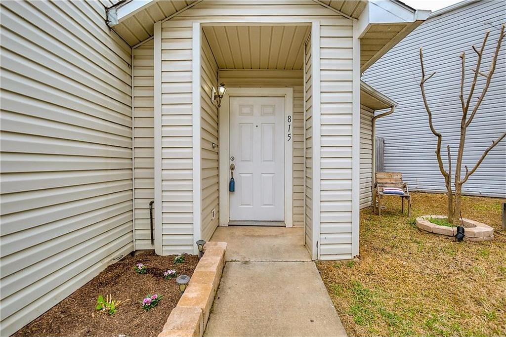 Sold Property | 815 Isla Verde Plaza Dallas, Texas 75211 1