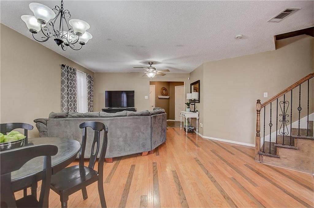 Sold Property | 815 Isla Verde Plaza Dallas, Texas 75211 10