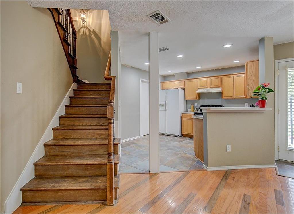 Sold Property | 815 Isla Verde Plaza Dallas, Texas 75211 11