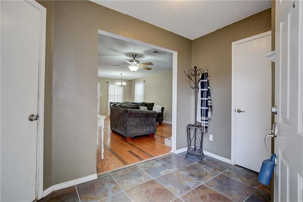 Sold Property | 815 Isla Verde Plaza Dallas, Texas 75211 2