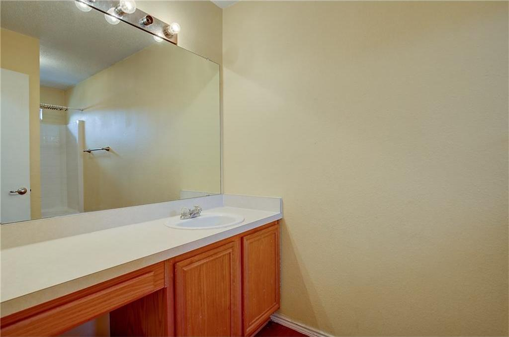 Sold Property | 815 Isla Verde Plaza Dallas, Texas 75211 20
