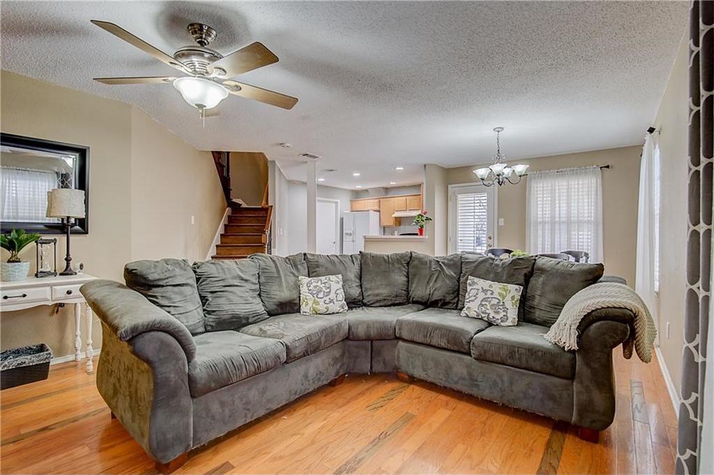 Sold Property | 815 Isla Verde Plaza Dallas, Texas 75211 4