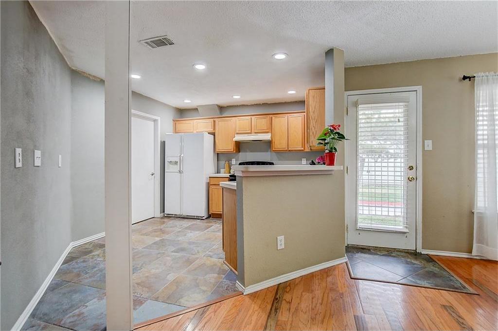 Sold Property | 815 Isla Verde Plaza Dallas, Texas 75211 5