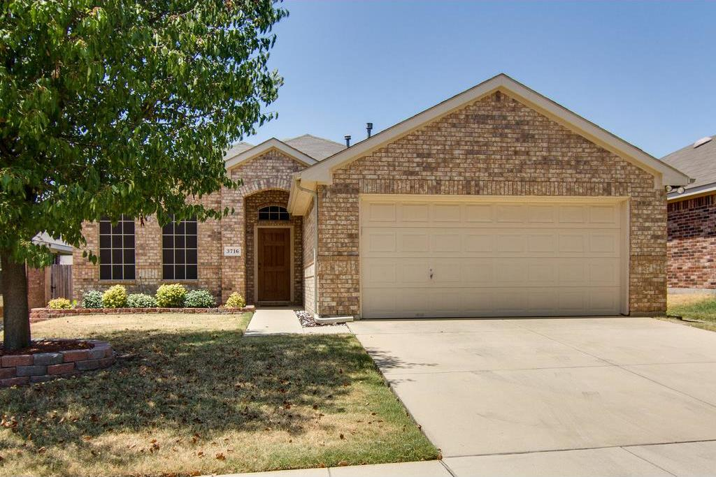 Sold Property | 3716 Chapin Court Fort Worth, Texas 76116 2
