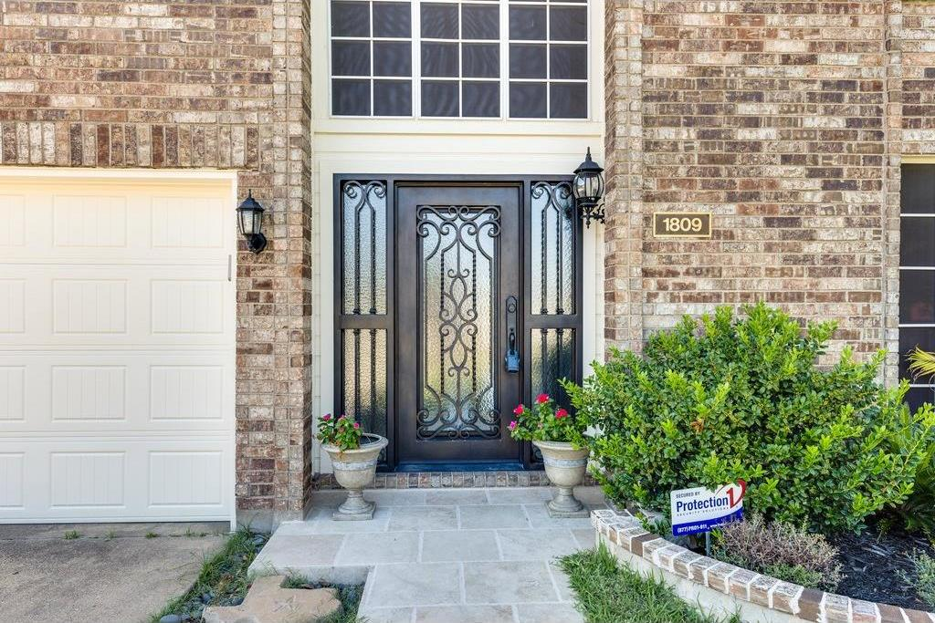 Sold Property | 1809 Westshore Court Irving, Texas 75060 3