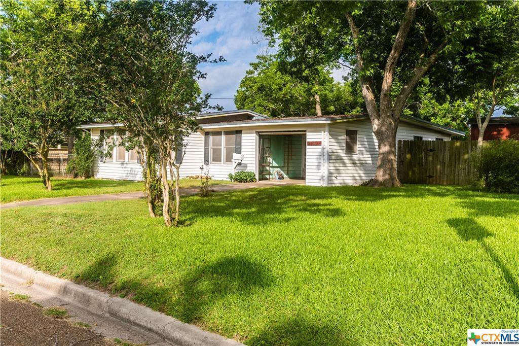 Sold Property | 1404 N Hunt  Cuero, TX 77954 1