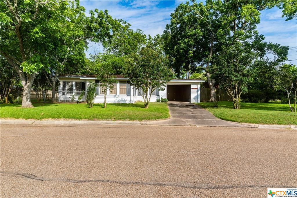 Sold Property | 1404 N Hunt  Cuero, TX 77954 2