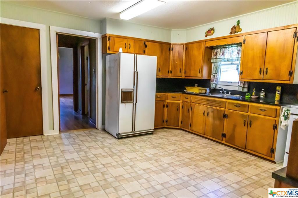 Sold Property | 1404 N Hunt  Cuero, TX 77954 12