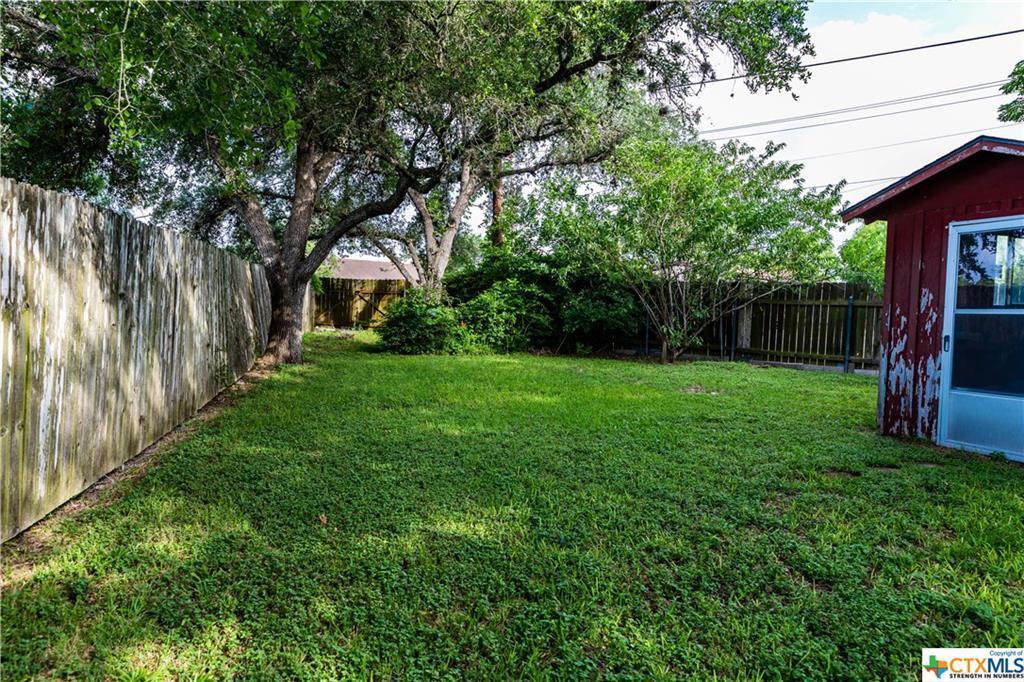 Sold Property | 1404 N Hunt  Cuero, TX 77954 4