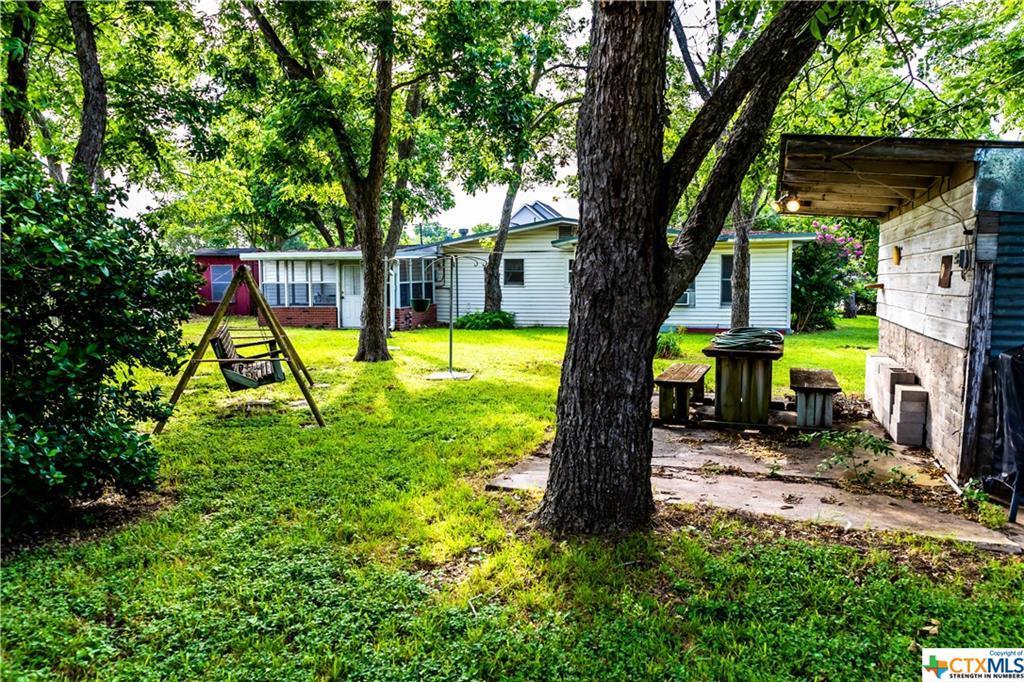 Sold Property | 1404 N Hunt  Cuero, TX 77954 5