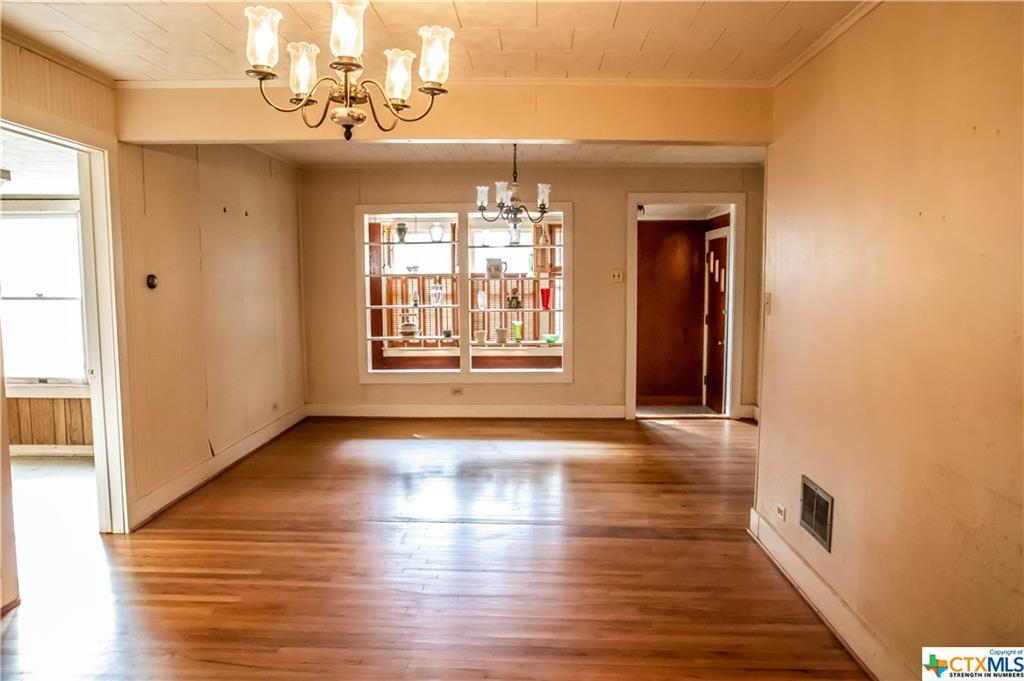 Sold Property | 1404 N Hunt  Cuero, TX 77954 7