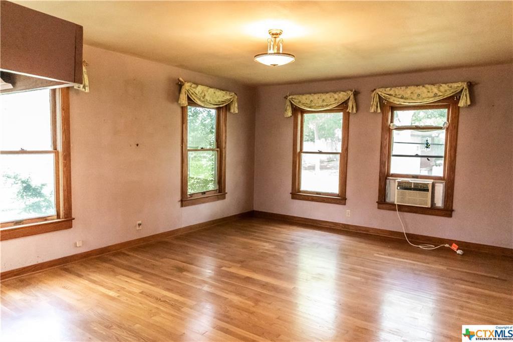 Sold Property | 1404 N Hunt  Cuero, TX 77954 8
