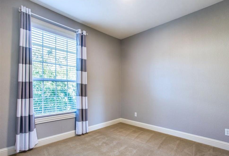 Sold Property | 2627 N Garrett Avenue Dallas, Texas 75206 10