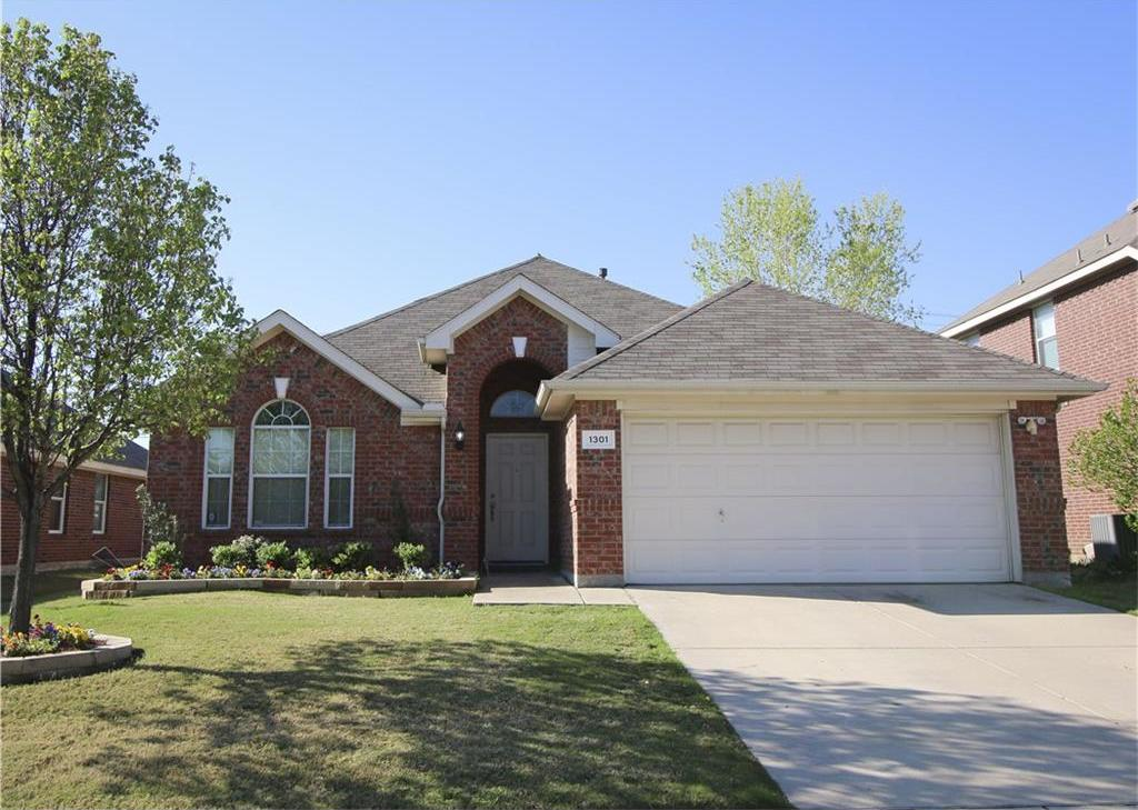 Sold Property | 1301 Oakridge Drive Euless, Texas 76040 0