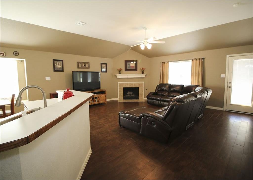 Sold Property | 1301 Oakridge Drive Euless, Texas 76040 2