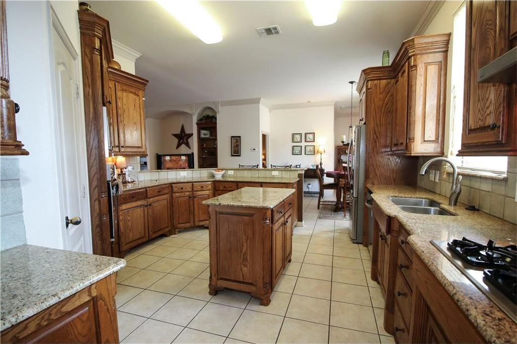 Sold Property   7908 Forest Lakes Court North Richland Hills, Texas 76182 16